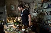 布萊德利庫柏 重拾好廚藝【天菜大廚】親自上陣沒在怕 拍戲拜師米其林名廚 下戲天天型男上菜