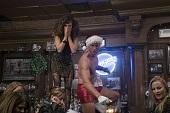 《阿姐響叮噹》天菜型男全裸上陣 火熱過聖誕  賈斯汀哈特雷 大鵰爆褲跳艷舞