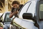 開春最強動作鉅獻 傑哈巴特勒《極盜戰》3月16日在台上映 「有牌流氓」與「玩命搶匪」 黑白對決肌爆大銀幕