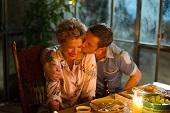 金球影后安妮特班寧攜手傑米貝爾 共譜浪漫年差戀  《最後相愛的日子》4月13日全台暖心上映