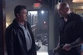 毀滅者「德克斯」改當《鋼鐵墳墓2》越獄內線  擁強大火力大開殺戒 領席維斯史特龍逃出生天