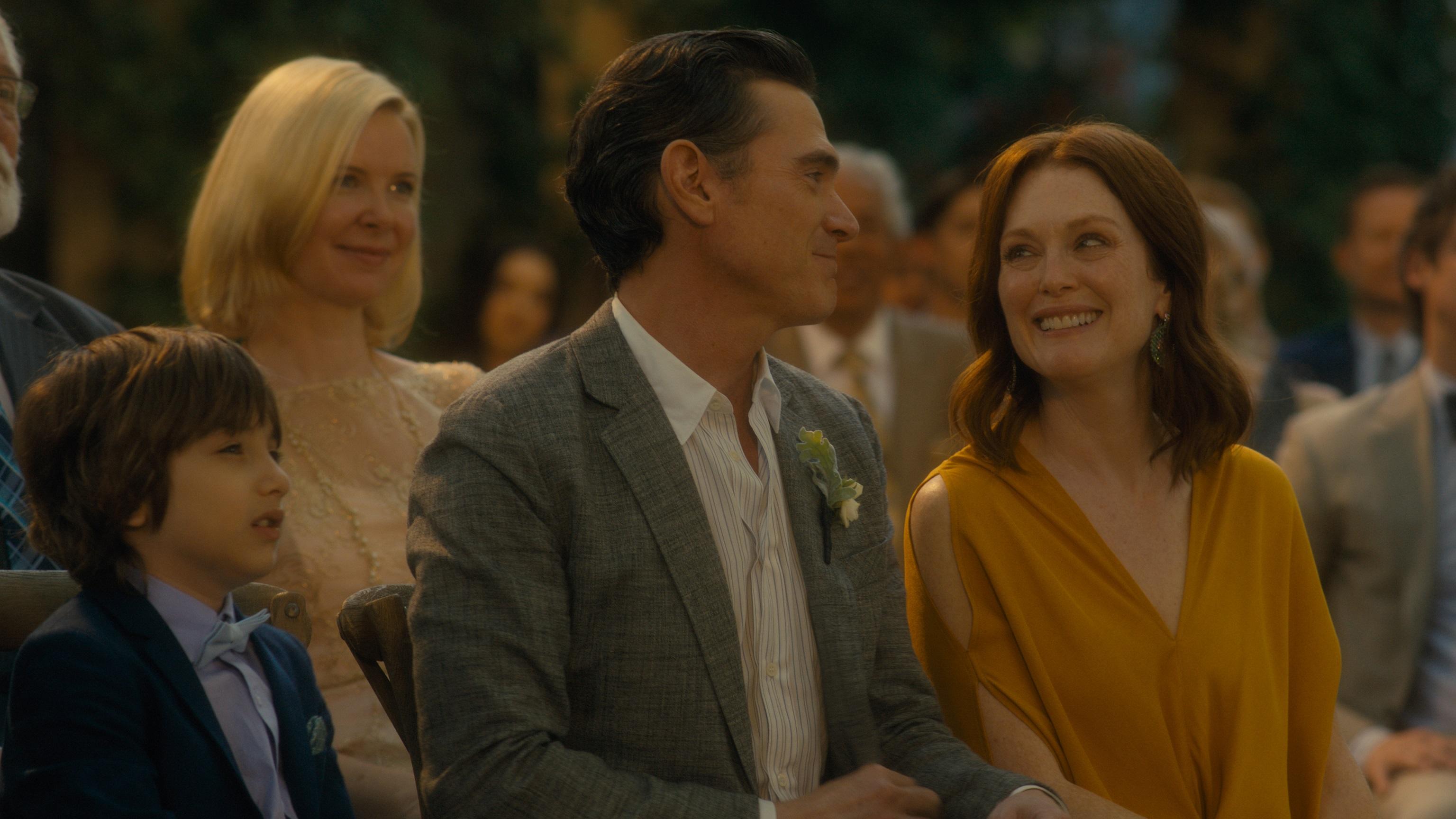 茱莉安摩爾合作導演丈夫《你願意嫁給我老公嗎?》展現夫妻默契  影后高顏值女兒幕後見習但這場戲不准看