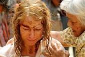 電影【浩劫奇蹟】重現當時情境 女主角娜歐蜜華茲重「身教」帶著老公兒子到泰國拍戲