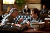 好萊塢教父勞勃狄尼洛 與性感男星布萊德利庫柏 共同打造年度驚悚大片【藥命效應】,即將於4月8日全台上映