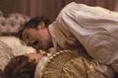 性感白馬王子艾米漢默入選《GQ》最有型男星 【魔鏡,魔鏡】中舌戰茱莉亞羅勃茲  又親又舔NG數次